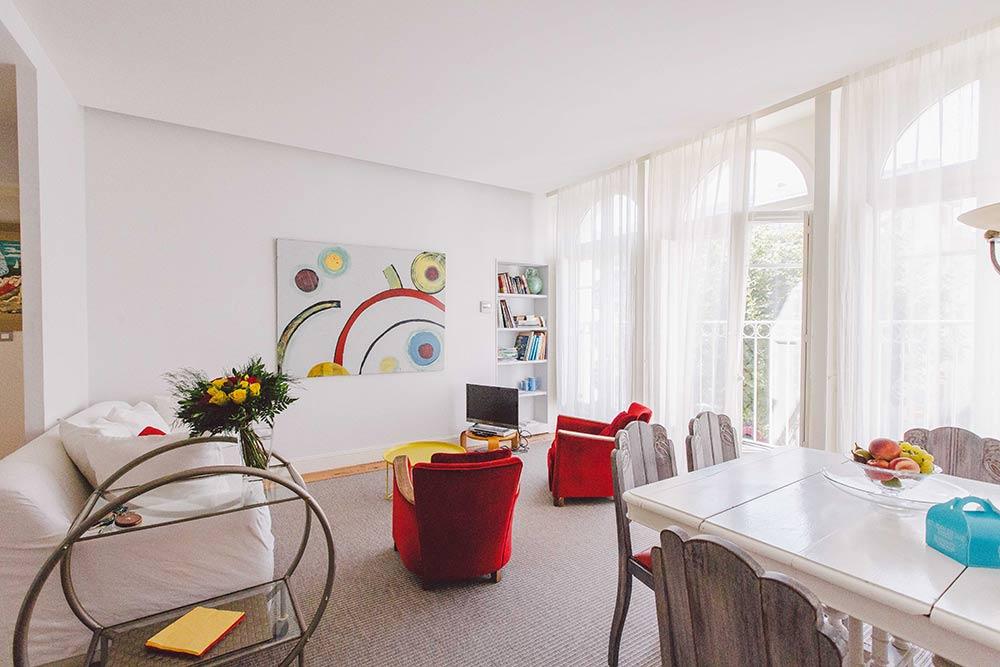 location st jean de luz pays basque location appartement saint jean de luz la villa les roses. Black Bedroom Furniture Sets. Home Design Ideas